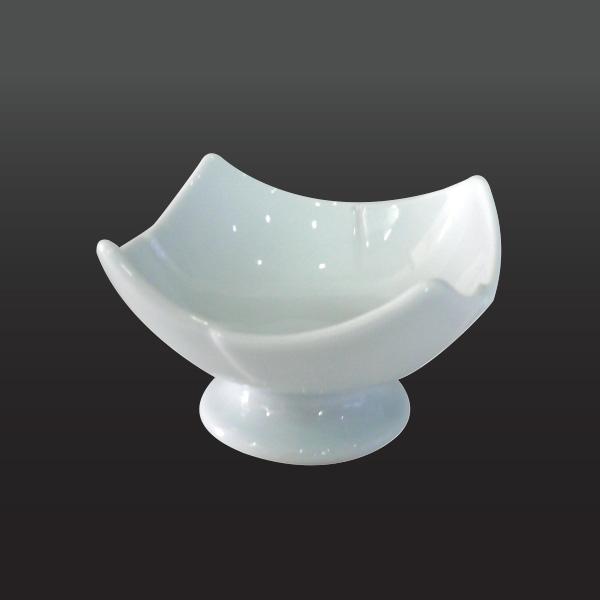 品 番:1011080003 商品名:クリサンセマム(ホワイトラスター) サイズ:98×98×H60