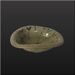 品 番:1031130003 商品名:絵唐津蓮豆皿 サイズ:81×95×H30