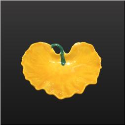 品 番:1541080002 商品名:ツワ型小付 黄コーチ(茎G) サイズ:100×80×H28