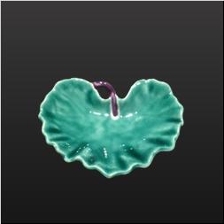 品 番:1541080003 商品名:ツワ型小付 グリーンコーチ(茎紫) サイズ:100×80×H28