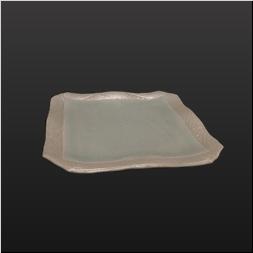 品 番:1061170002 商品名:五月青磁ふち虹彩彫入りナブリ口変わり皿 サイズ:230×230×H30