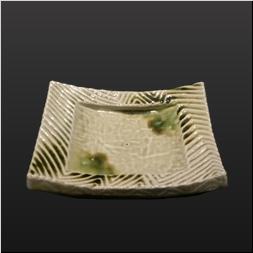 品 番:1541140004 商品名:縁削ぎ彫長角皿 ビードロ釉 サイズ:200×150×H45